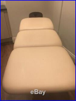 Beauty Treatment Couch/bed