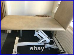 Plinth 2000 Hydraulic Variable Height 2 Section Couch Bed RRP 1000