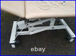 Plinth electric physiotherapy Massage, treatment table, bed, couch